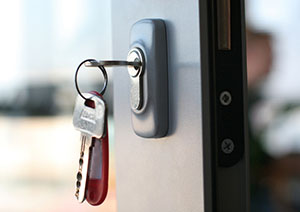 https://bens24hourlocksmith.com/wp-content/uploads/2016/01/commercial-locksmith.jpg